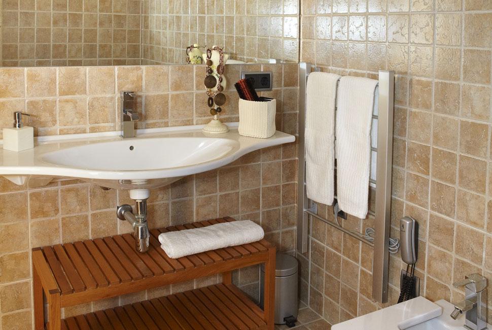 suite menta bathroom