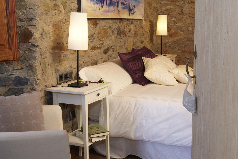 romani bed